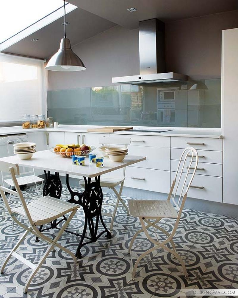 Charming-Madrid-Residence-With-Feminine-Touches--07